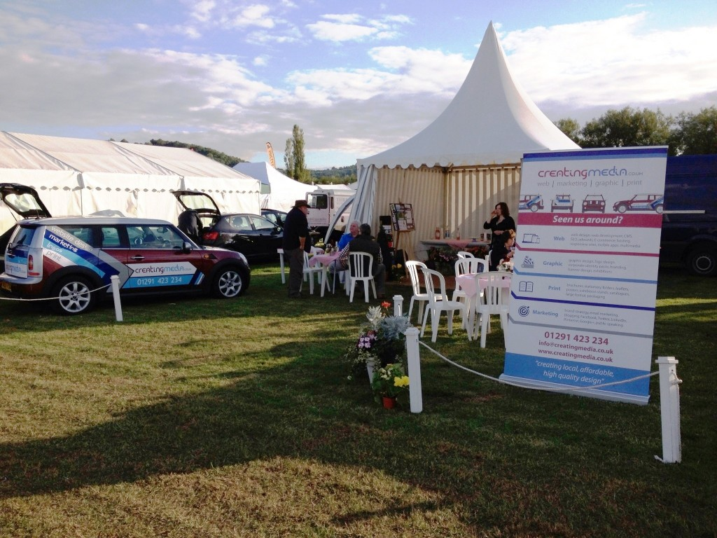 Usk Show Stand